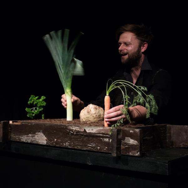 """Das Totenerweckungssüppchen"" Andreas Mihan im Figurentheater Grashüpfer September 2018"